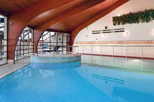 Swimming Lessons at Cobham - Hilton