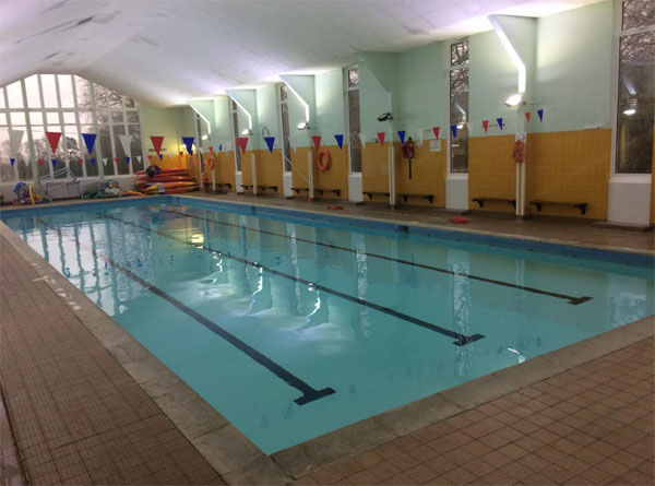 Swimming lessons swim kidz swimming lessons babies toddlers kids St albans swimming pool timetable